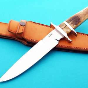 Schuyler Lovestrand sub-hilt fighter presentation fixed custom knife