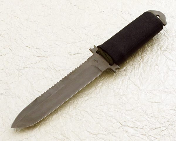 Robert Parrish Handmade Tactical Fighting Knife Custom Fixed Blade Fighter LWT serrations